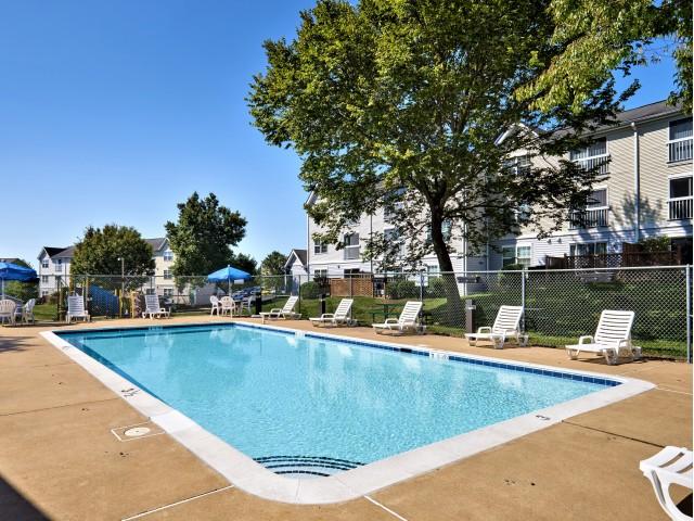 Swimming Pool   Evans Ridge Apartments   Affordable Apartments Leesburg VA