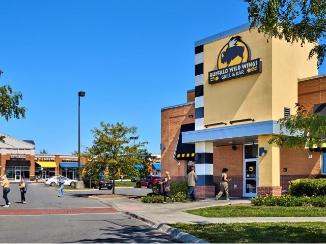Buffalo Wild Wings   Evans Ridge Apartments   Affordable Apartments Leesburg VA