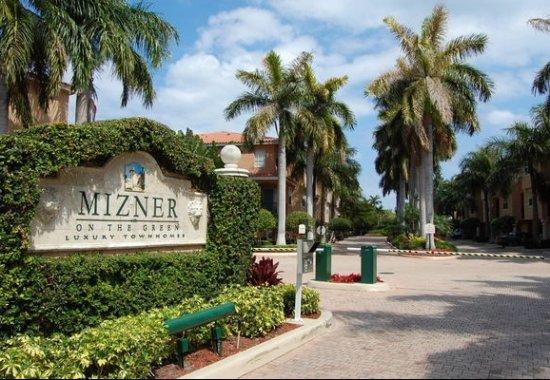 mizner on the green entrance