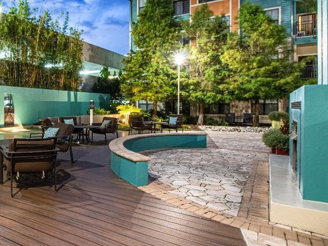Millenia 700 Outdoor Fireside Lounge