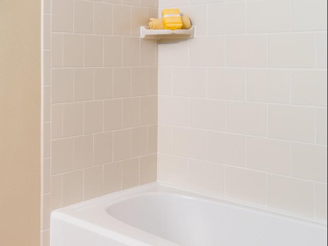 Millenia 700 Tiled Bathtubs
