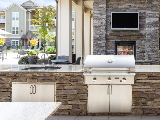 Outdoor Kitchen and Gas Grill