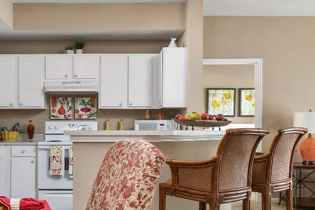 Gourmet Kitchen With Breakfast Bar Seating Area