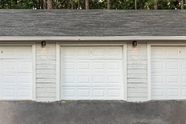 Detached Garage Parking