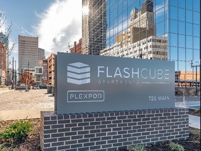 flashcube sign