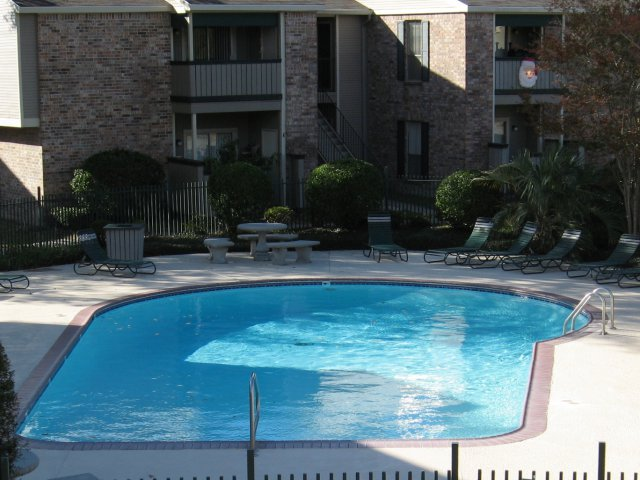 Image of Swimming Pool for Afton Oaks Apartments