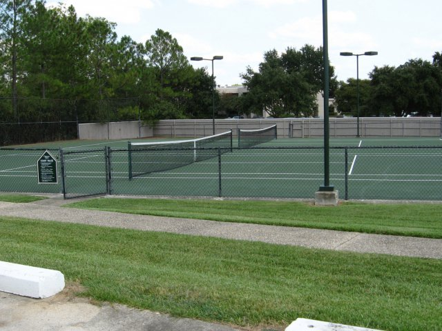 Image of 2 Tennis Courts for Chateaux Dijon Apartments