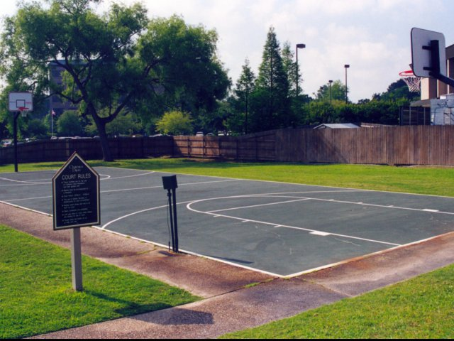Image of Basketball Court for Chateaux Dijon Apartments