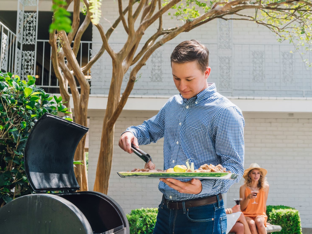 BBQ Pits |  Apartments in Baton Rouge | Chateaux Dijon