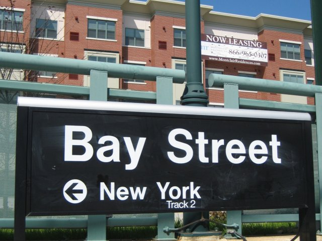 Image of Accepts Credit Card Payments for Montclair Residences at Bay St Station
