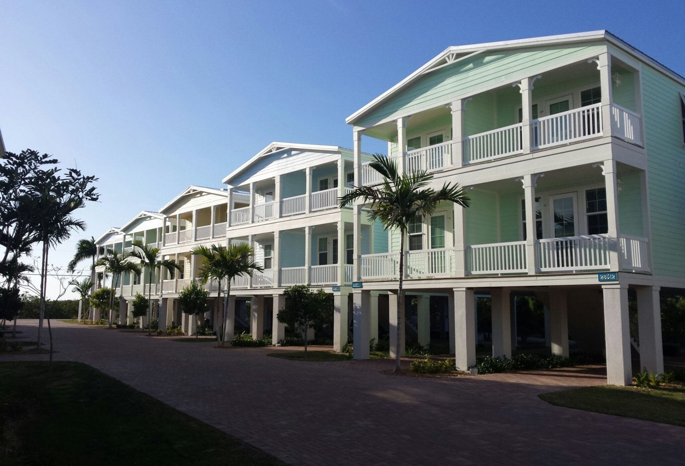 Beach-Style Living in Marathon, FL l Tarpon Harbour