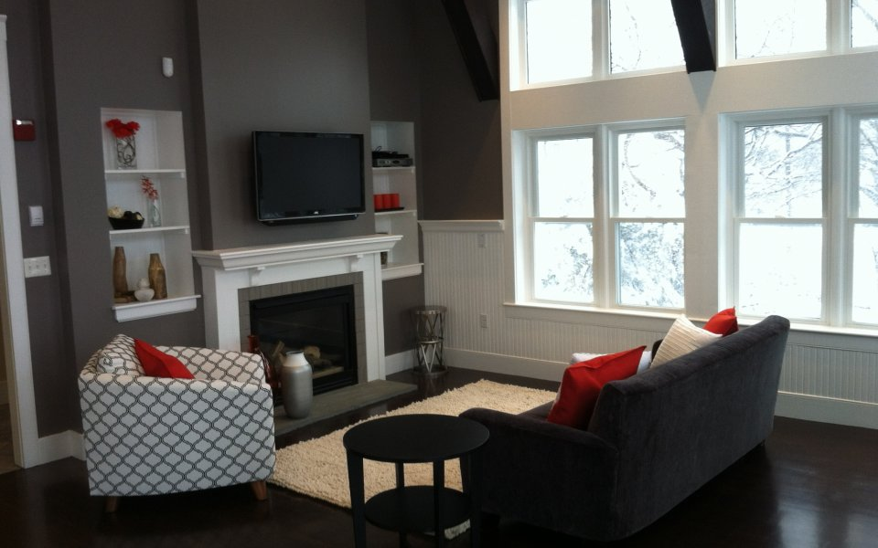 Spacious Living Room | Apartments in Hull, MA | The Estates