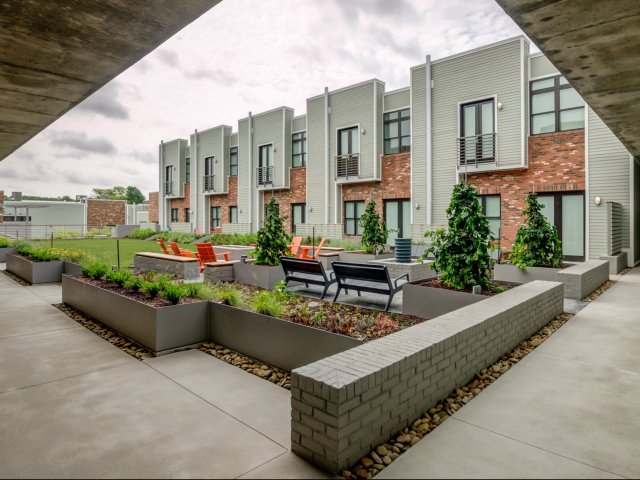 Charmant Apartments In Nashville TN | 2100 Acklen Flats. Spacious Living Room |  Studio ...