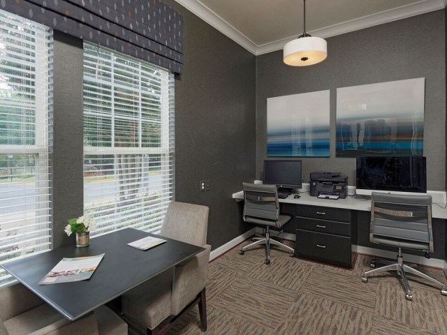Resident Business Center | Fairfax VA Apartment For Rent | Lincoln at Fair Oaks Apartments