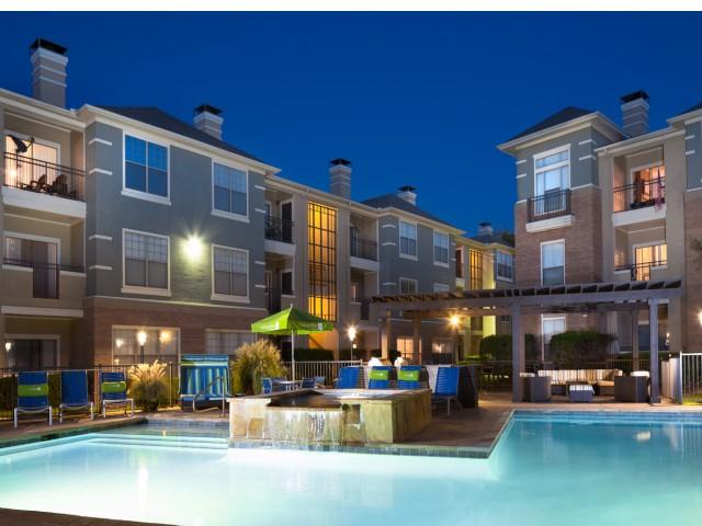 Apartments in Uptown Dallas TX Area   Metropolitan at Cityplace