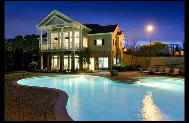 Swimming Pool | Apartment Homes in Decatur, GA | Decatur Crossing