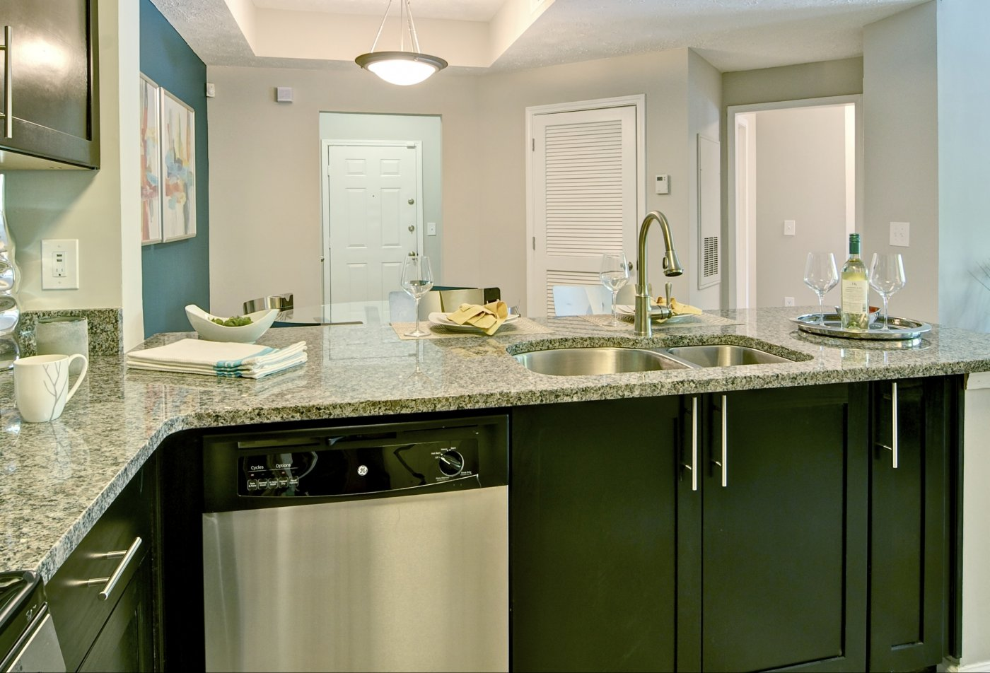 State-of-the-Art Kitchen | Atlanta GA Apartment Homes | Aspire Perimeter Apartments