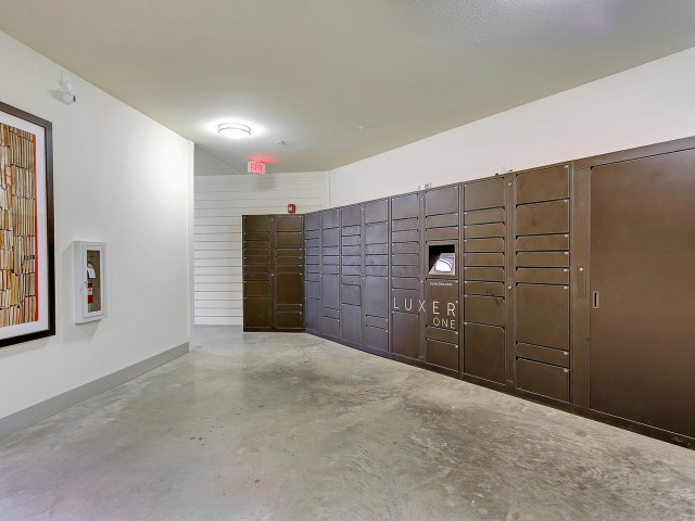 Resident Study Lounge   Apartment Homes in Dallas, TX   Alexan West Dallas