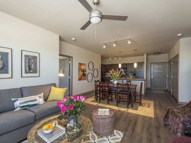 Spacious Living Room | Apartments in Nashville, TN | 909 Flats