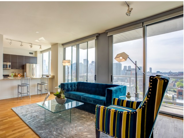 Image of Floor to Ceiling Windows with Panoramic City Views for Mondial River West