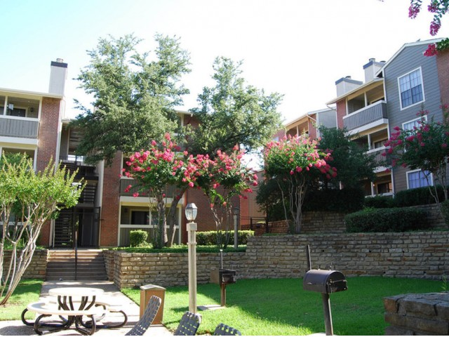 Image of Barbeque Grills for Bridge Hollow Apartments