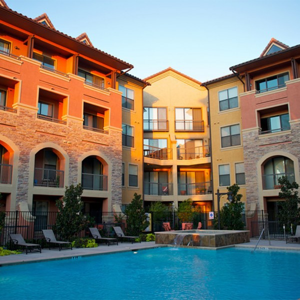 Luxury Lake Homes In Texas: Rockwall Commons Apartments