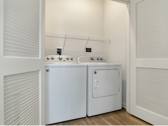 Venetian Apartments Ft. Myers full size washer and dryer