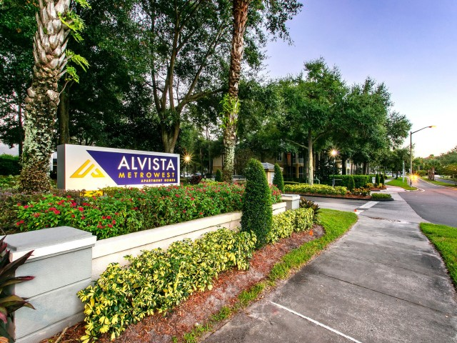 Image of Within Walking Distance of Restaurants and Shops for Alvista Metrowest