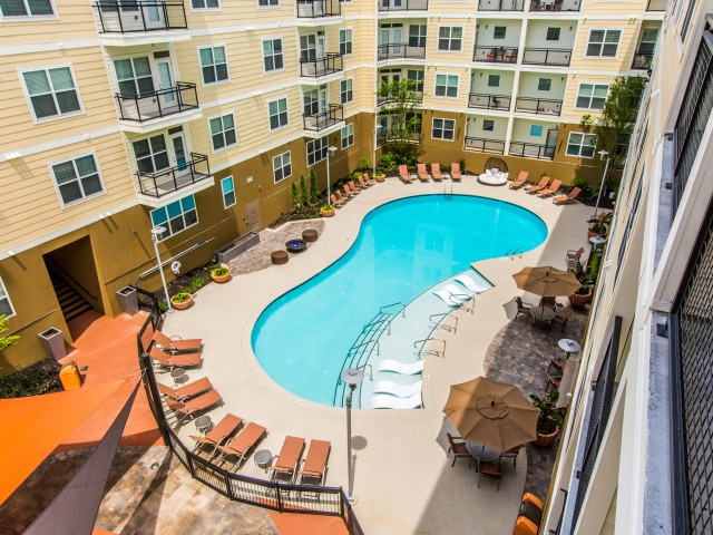 Resort Style Pool with Lounge Chairs | Apartments in Nashville, TN | 909 Flats