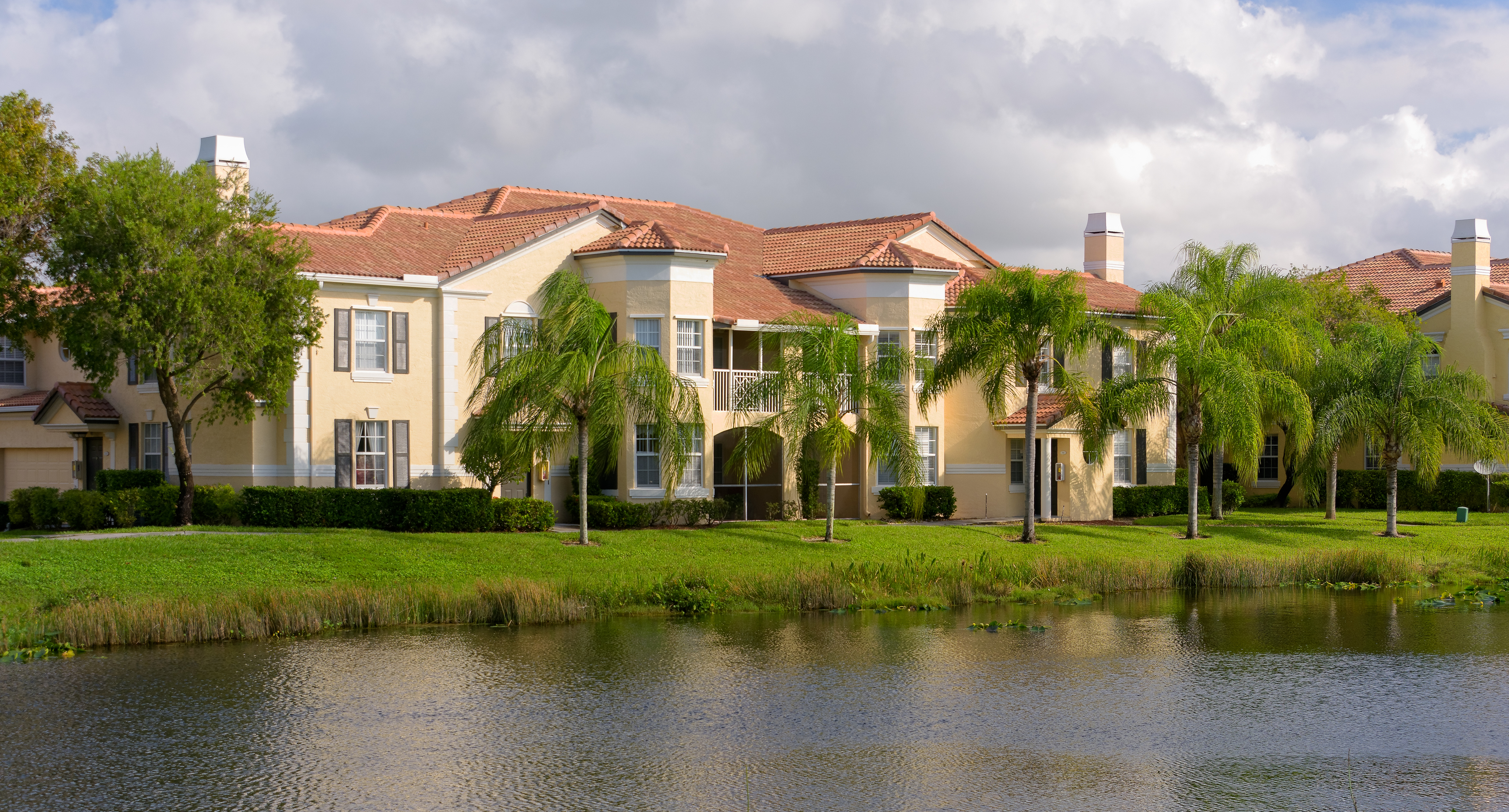 The Hamptons On Heron Bay Coral Springs Luxury Apartment
