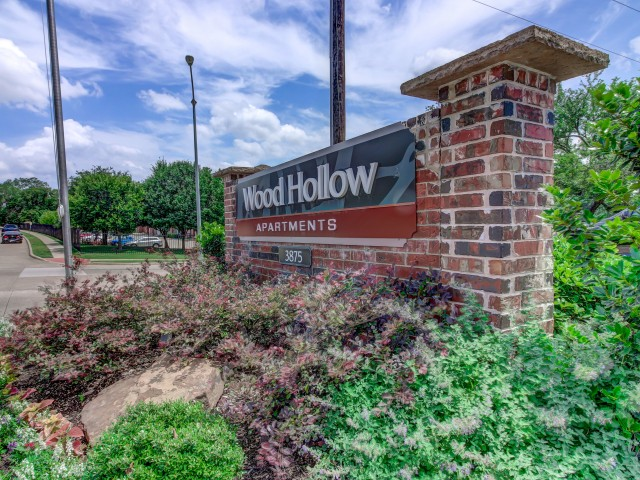 Wood Hollow | Bedford TX | Midcities Apartments