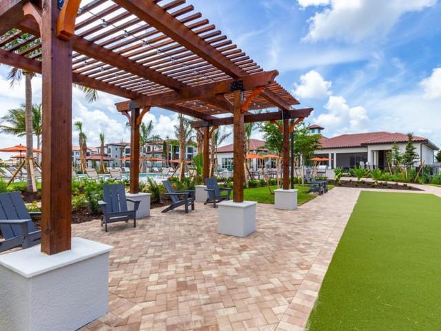 Treviso Grand Apartments - North Venice, Florida pavilion