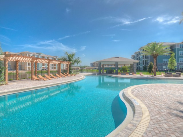 San Mateo Crossing Kissimmee florida pool with gazebo, lounge chairs and outdoor pavilion