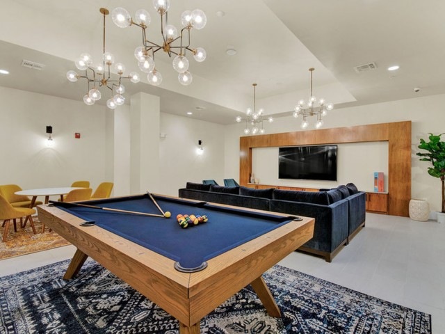 400 north apartments Maitland Florida billiards and gaming room