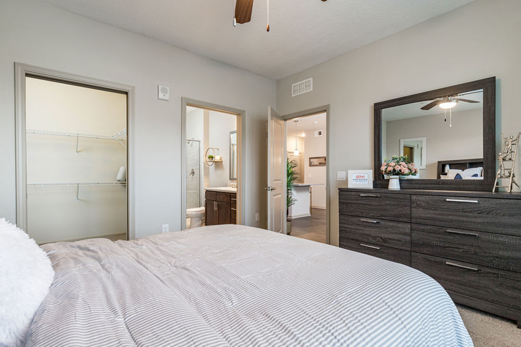 San Mateo Apartments Kissimmee Florida master bedroom with walk-in closet and on-suite bathroom