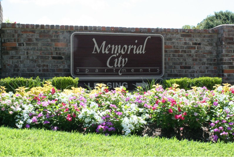 Memorial City Main Monument
