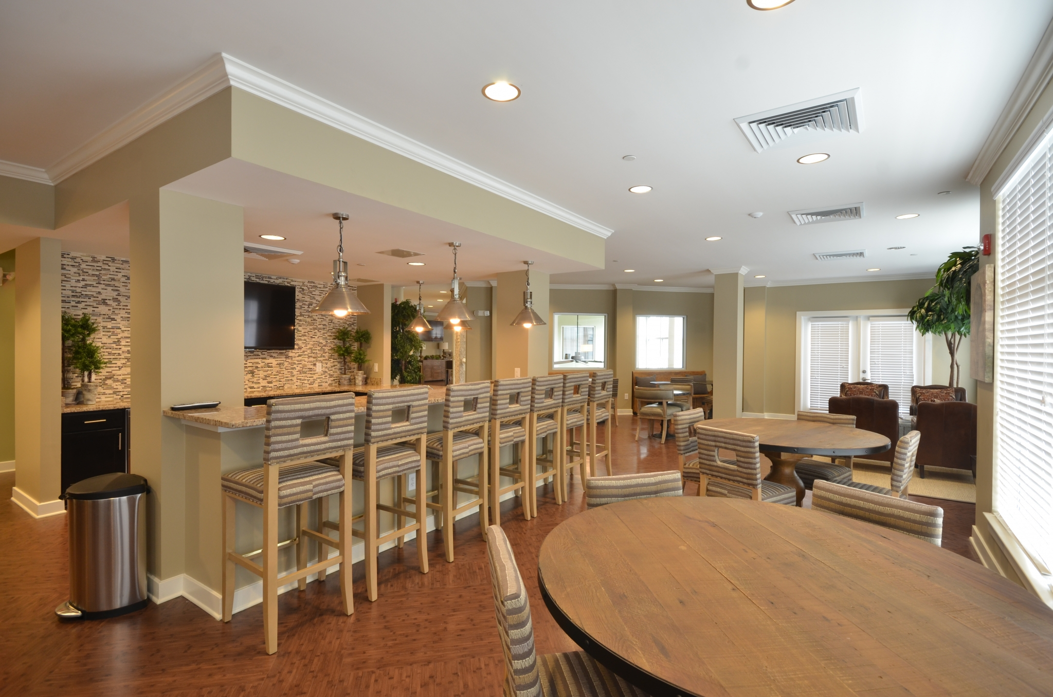 Bar and table seating of resident lounge