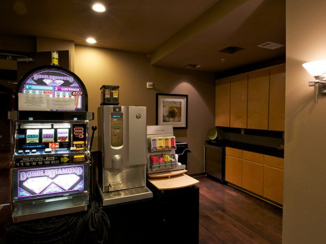 Starbucks Coffee and Tea Bar and a slot machine | Apartments in Rockwall TX | Rockwall Commons