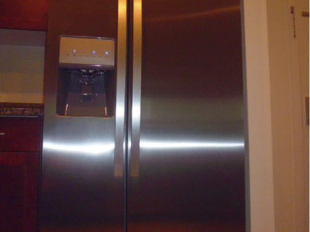 Stainless Fridge +Ice/water dispenser