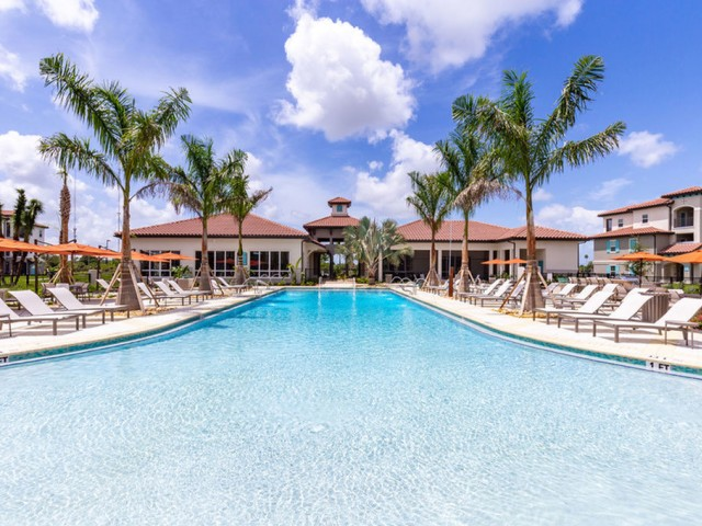 Treviso Grand Apartments - North Venice, Florida pool with clubhouse