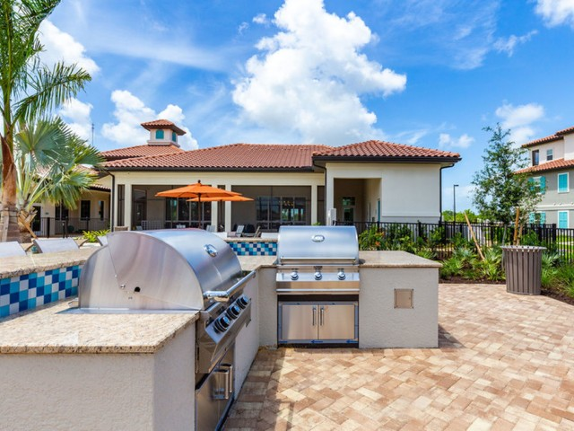 Treviso Grand Apartments - North Venice, Florida outdoor kitchen with grills