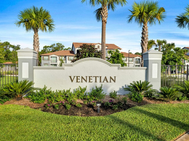 Venetian Apartments Ft. Myers Entry sign