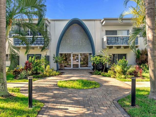 the dunes Indian harbour beach florida entrance to clubhouse with brick walkway