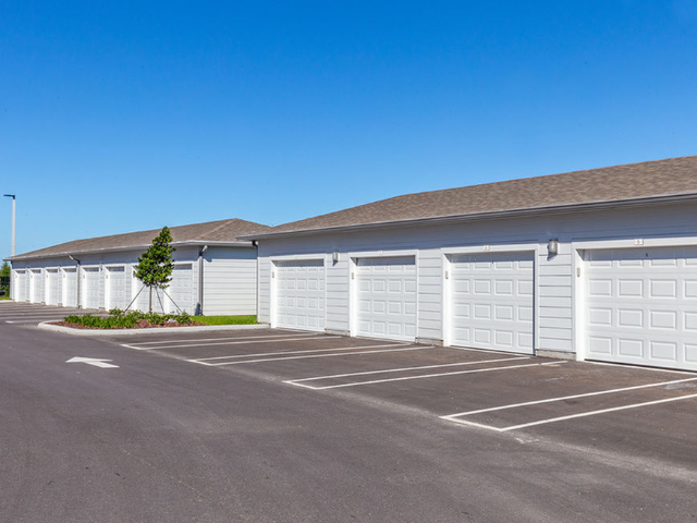 Madison Pointe Daytona Beach Florida detached garages