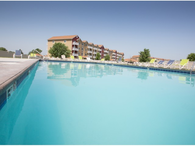 Image of Outdoor Pool for Foxmoor Apartments