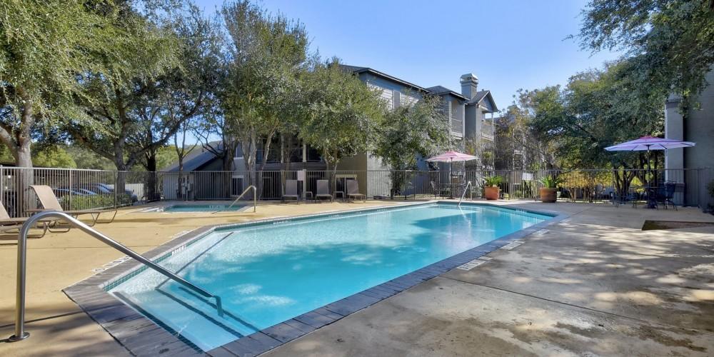 Vineyard Hills Apartments - Austin TX