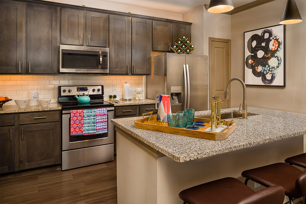 Boterra Bay - Luxury Apartments for Rent in Baytown, TX - apartment kitchen
