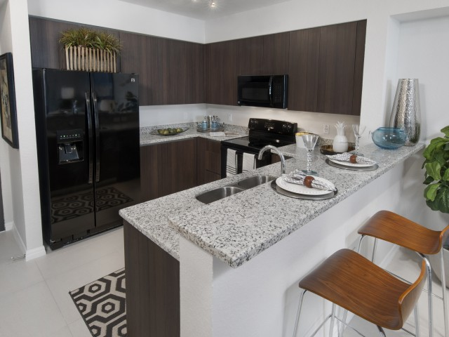 Apartments near university of miami west gables for Apartment ice maker