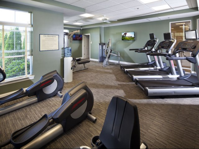 Fitness center of apartments near University of Delaware