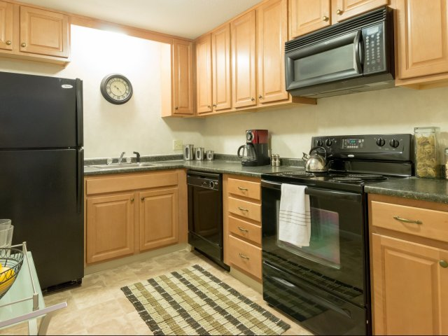 Model Kitchen | Colonial Village Apartments | Apartments in Manchester NH